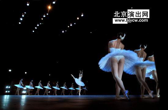 中央芭蕾舞团芭蕾舞剧《牡丹亭》,中央芭蕾舞团经典芭蕾舞剧《天鹅湖》,浪漫主义经典芭蕾舞剧《吉赛尔》,中央芭蕾舞团芭蕾舞剧《胡桃夹子》,舞剧《天鹅湖》、《堂吉诃德》、《睡美人》、《吉赛尔》、《海盗》、《仙女》、《胡桃夹子》。 中央芭蕾舞团(亦称中国国家芭蕾舞团,简称中芭),是中国唯一的国家级芭蕾舞团,现任团长、艺术总监为冯英女士。 自1959年12月31日建团以来,中芭以介绍西方古典、现代各流派芭蕾经典作品,探索西方芭蕾与中国传统文化结合之路、创作具有中国民族特色的芭蕾作品为宗旨,积累了100余